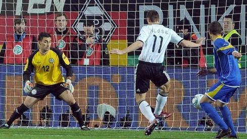 Klose saat mencetak gol ke-60. (Foto: www.sportschau.de)