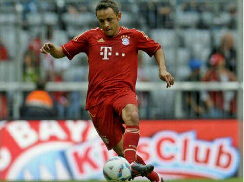 Meski Miroslav Klose sudah hengkang ke Lazio, Rafinha tetap pilih nomor 13. (Foto: www.tz-online.de)